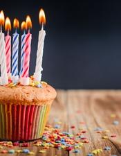 cupcake-bougies-allumees-fete-77190-200-2
